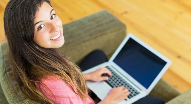 Работа для девушки программиста девушки флиртуют на работе